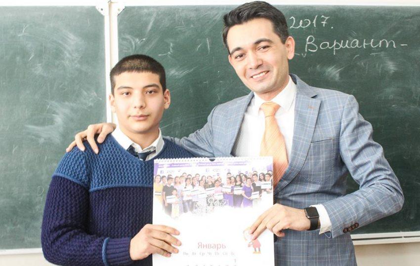 vruchili-podarki-v-litsee-turina-realscience-uchebniy-sentr-v-tashkente-09