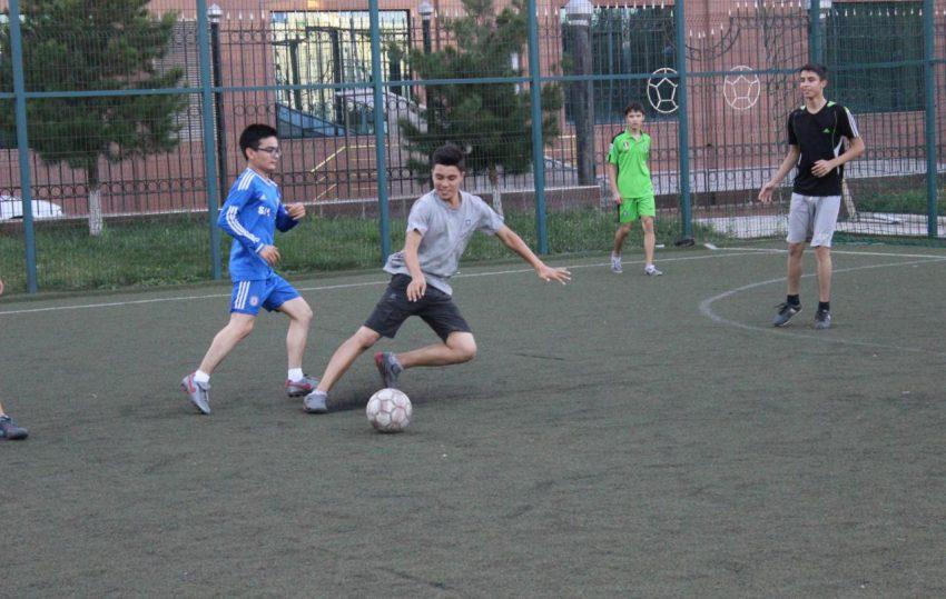 futbol-match-v-tashkente-realscience-uchebniy-sentr-v-tashkente-02